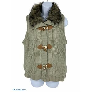 Maurices Sweater Vest With Faux Fur Collar Size L